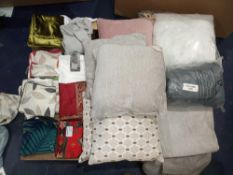 RRP £400 Pallet To Contain A Large Assortment Of Soft Furnishings (See Description)