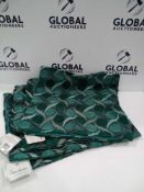 Rrp £100 Lot To Contain Six Assorted Riva Home And The Dorchester Scatter Cushion Covers