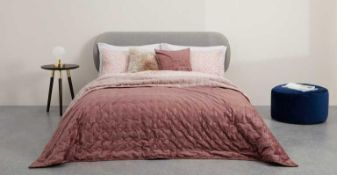 RRP £100 Tabitha Velvet Quilted Bedspread In Dusty Pink