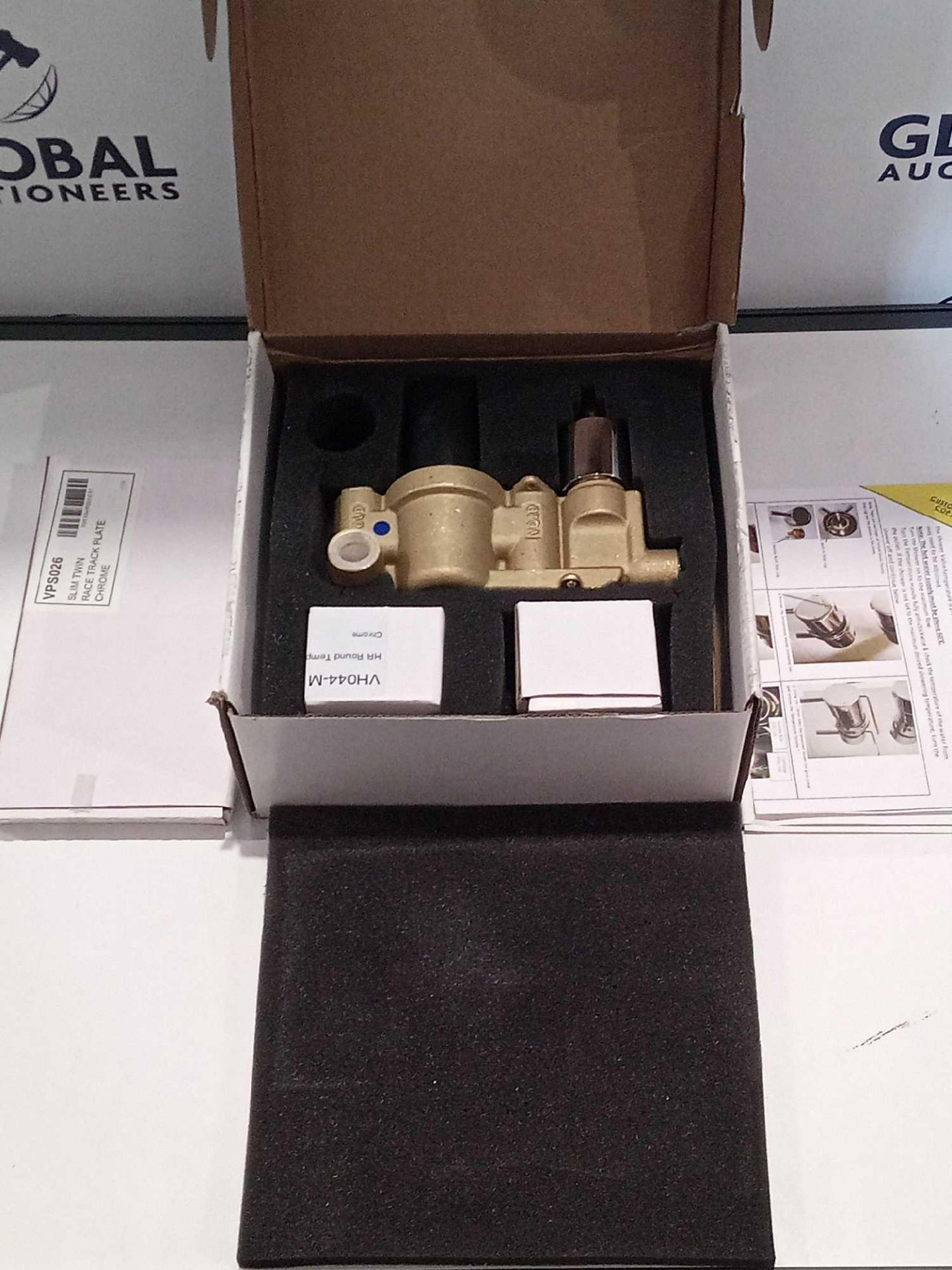 Lot 336 - RRP £60 Boxed Reign Twin Thermo Valve