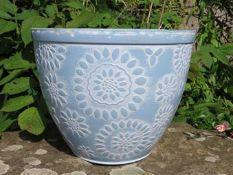 RRP £30 Chengdu Round Plant Pot Colour Light Blue / White