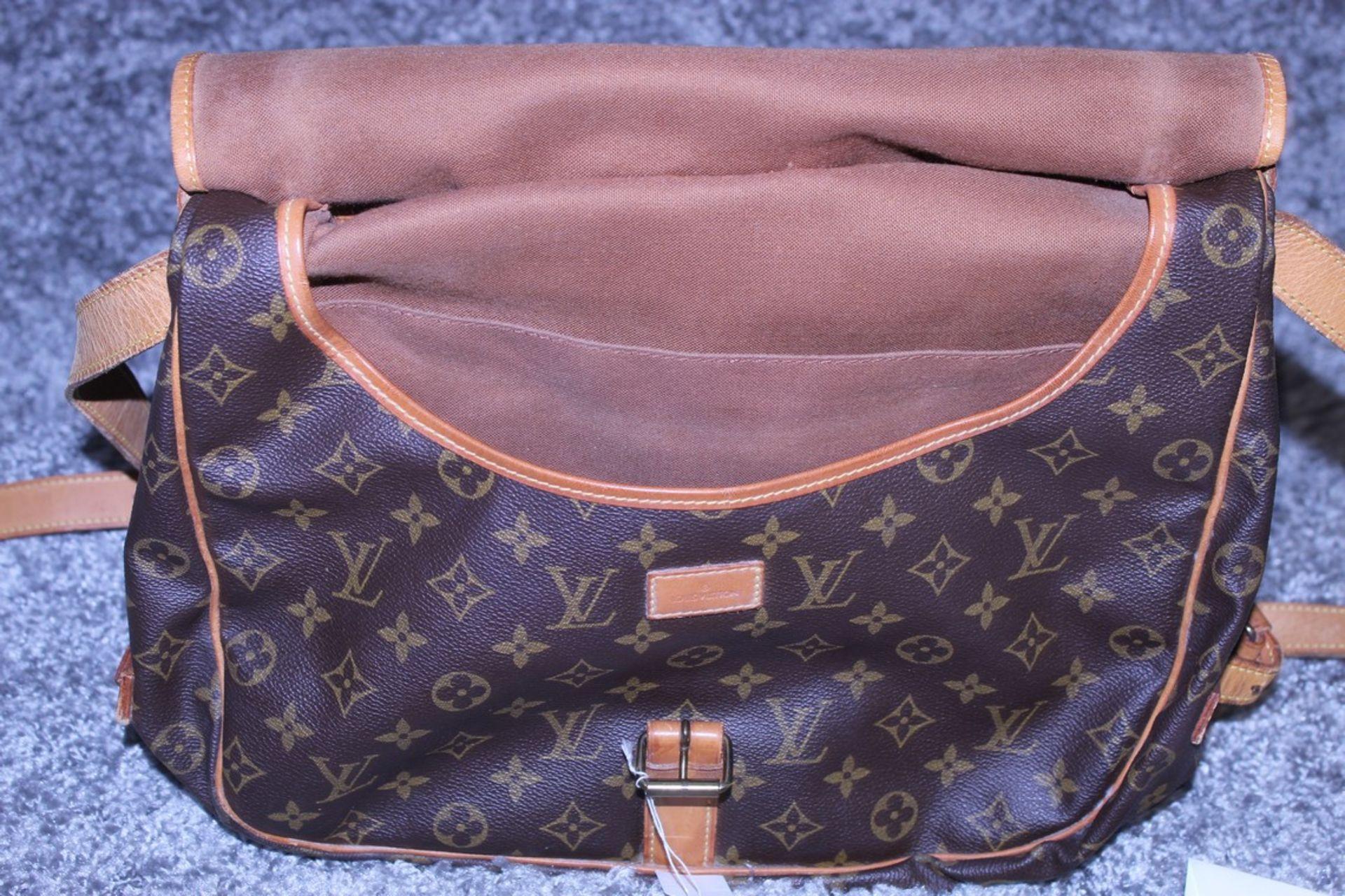 RRP £1,500 Louis Vuitton Saumur 30 Shoulder Bag, Monogram Canvas, Vachetta Handles, 30X27X17Cm ( - Image 3 of 4