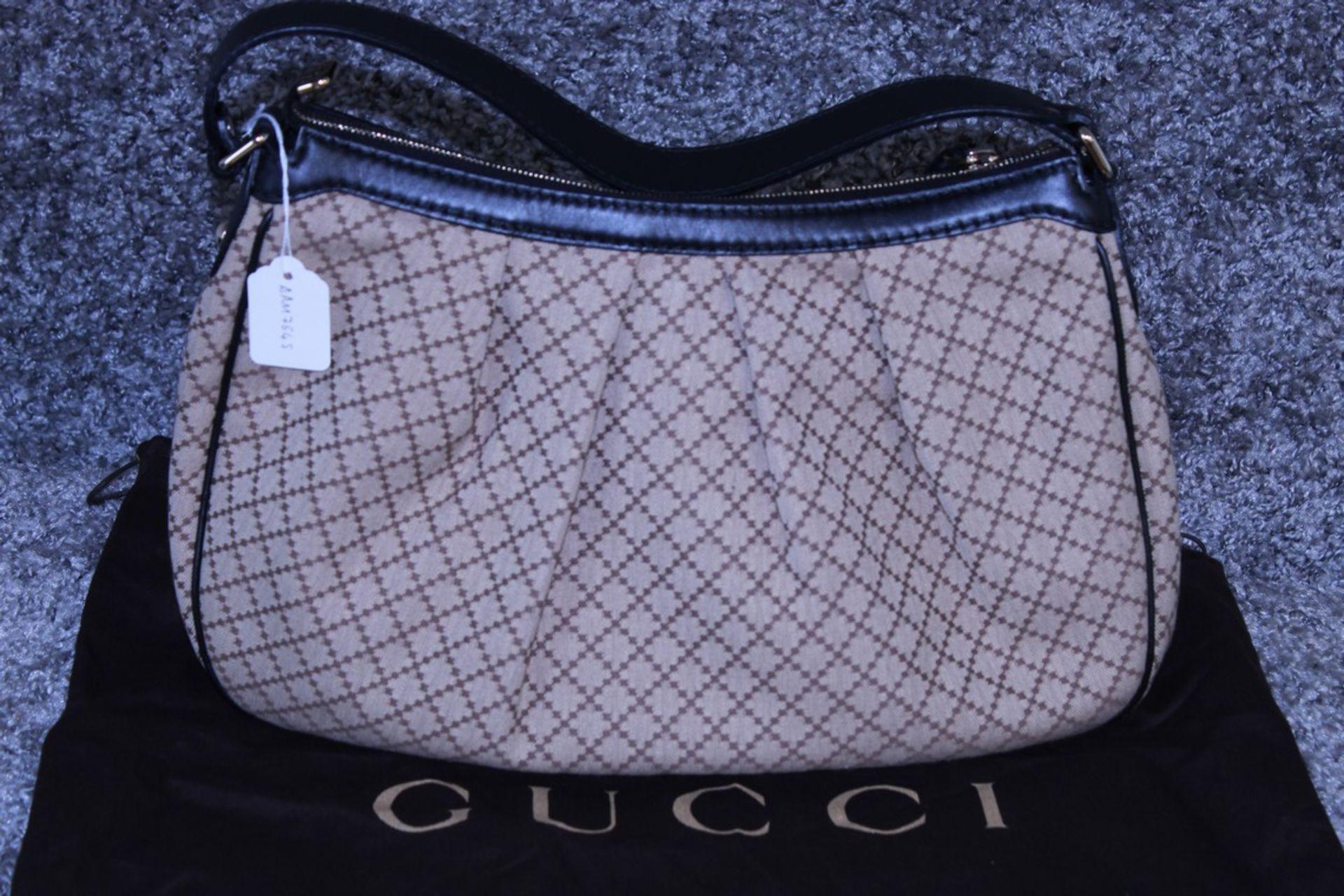 RRP £1,500 Gucci Sukey Medium Shoulder Bag, Beige/Black Diamante Canvas, 37.5X26X10Cm (Production
