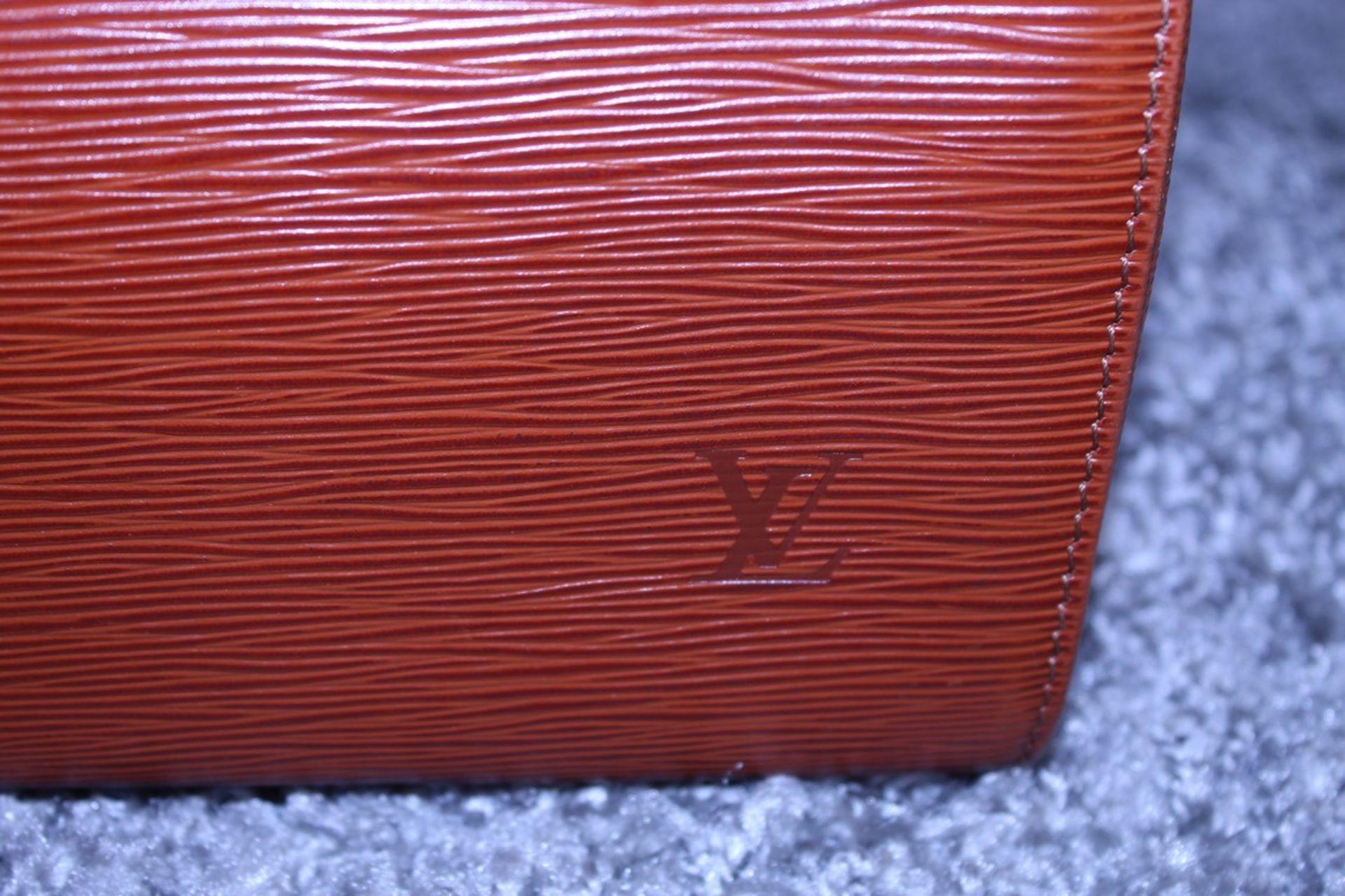 RRP £1,000 Louis Vuitton Speedy 25 Handbag, Tan Epi Calf Leather 27X19X15Cm (Production Code Vi1922) - Image 4 of 4