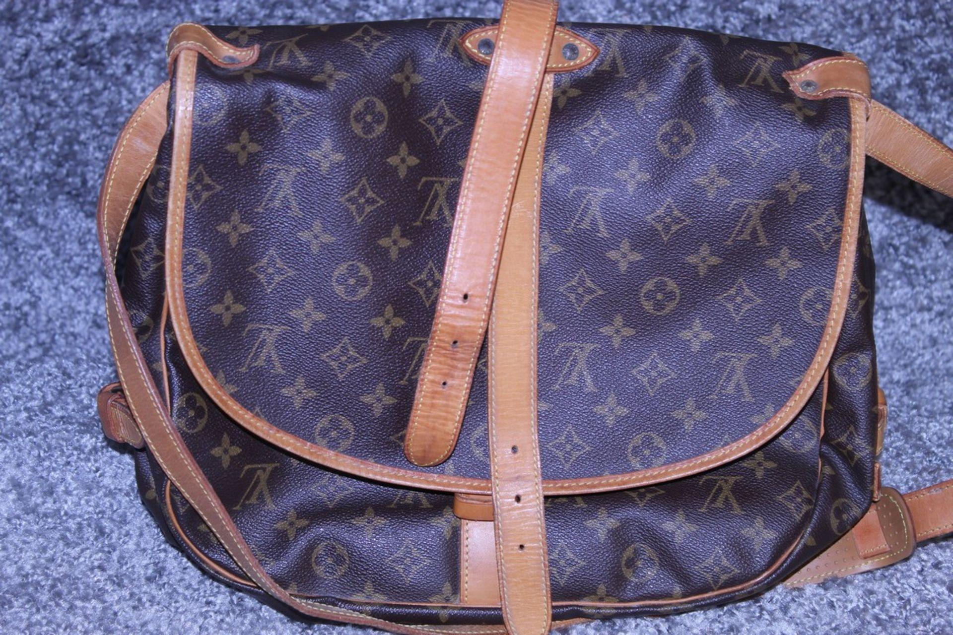 RRP £1,500 Louis Vuitton Saumur 30 Shoulder Bag, Monogram Canvas, Vachetta Handles, 30X27X17Cm ( - Image 2 of 4