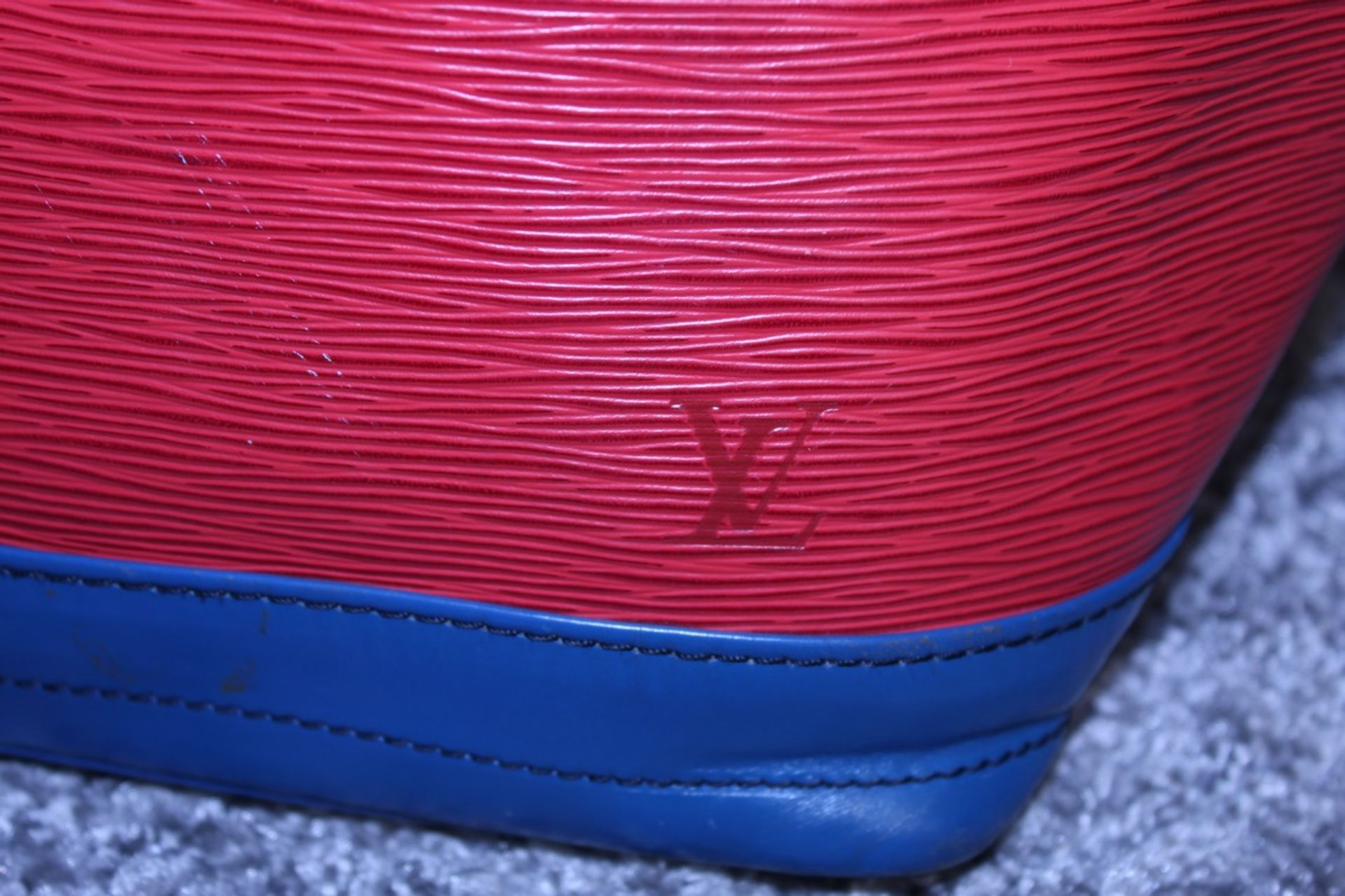RRP £1,200 Noe Tricolor Shoulder Bag, Red/Blue/Green Epi Claf Leather With Black Stitching - Image 3 of 4