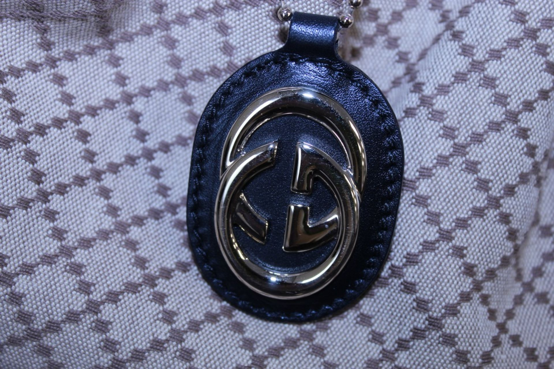 RRP £1,500 Gucci Sukey Medium Shoulder Bag, Beige/Black Diamante Canvas, 37.5X26X10Cm (Production - Image 3 of 4