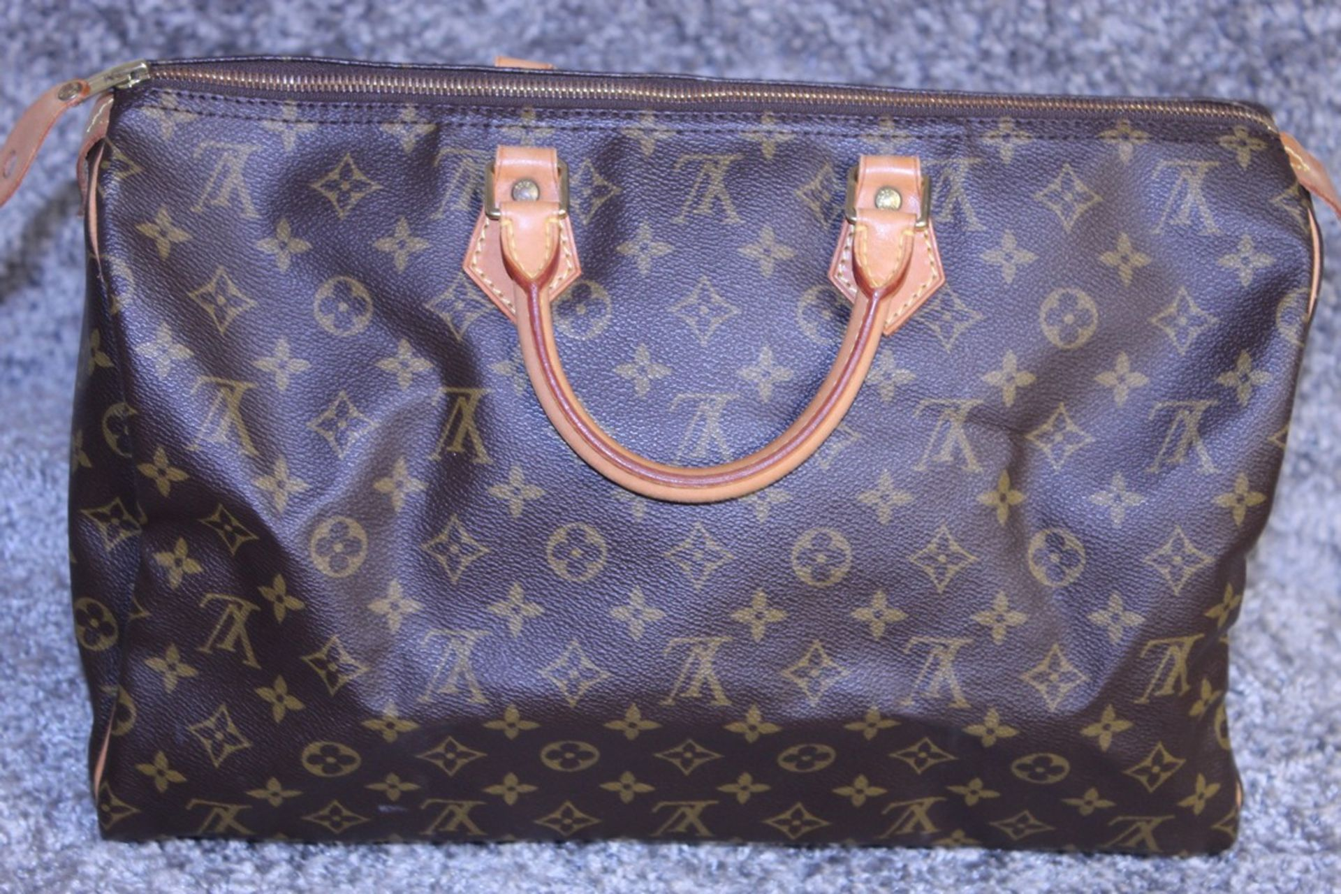 RRP £1,160.00 Made From Classic Monogram Canvas, The Speedy 40 Is A Stylish Handbag For Both - Image 2 of 6