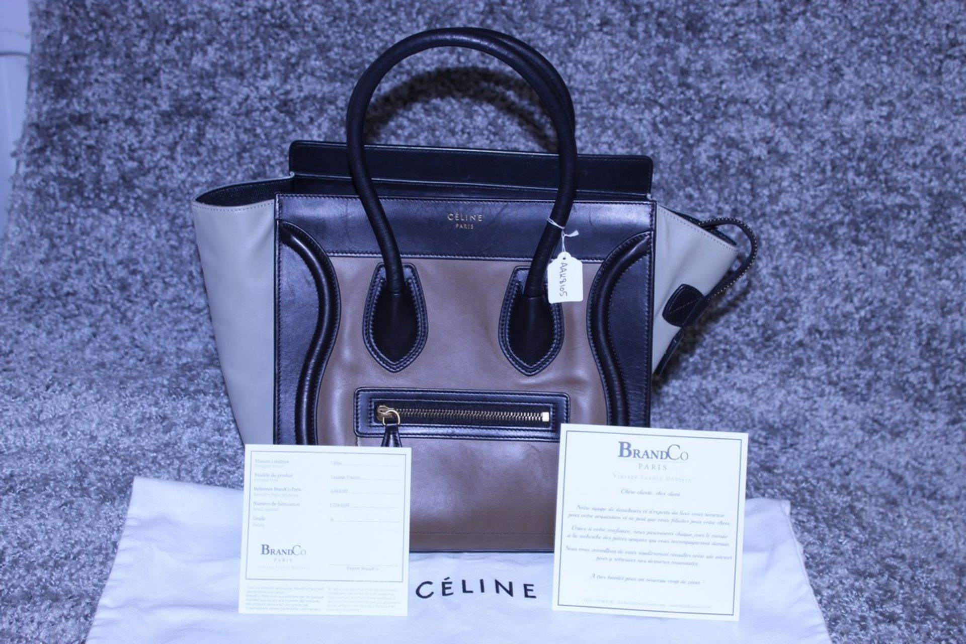RRP £1,500 Celine Luggage Tricol Handbag, Céline 'Mini Luggage'. Open Swith A Zipper On Top And Is - Image 4 of 5