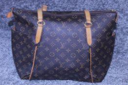 RRP £1,740 Louis Vuitton Totally Shoulder Bag, Brown Monogram Coated Canvas 33X28X14Cm (Production