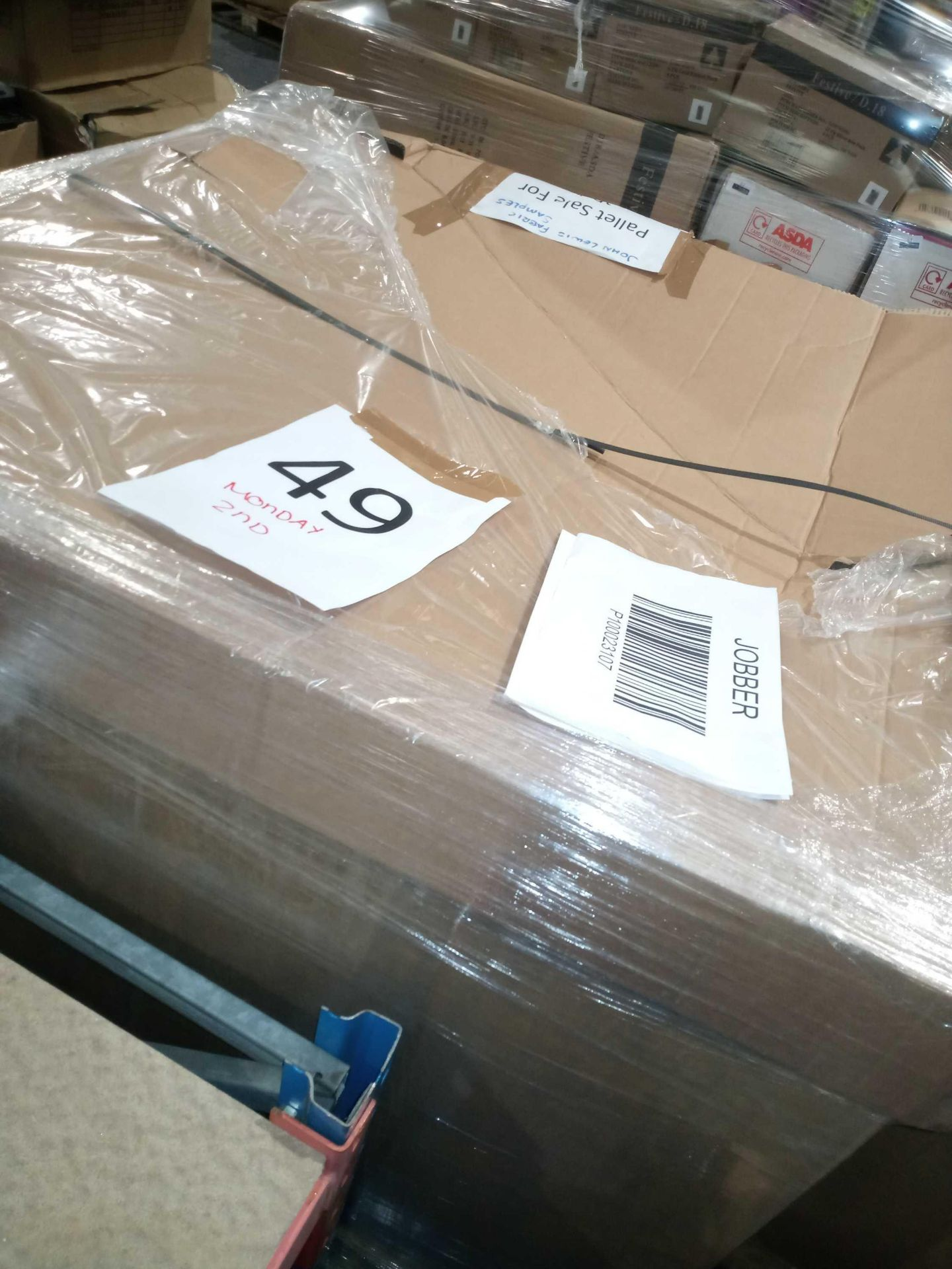 Pallet To Contain A Large Assortment Of John Lewis Fabric Material Samples, And Assorted Blinds ( - Image 3 of 3