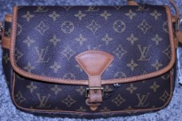 RRP £1,200 Louis Vuitton Sologne Shoulder Bag, Brown Monogram Canvas, 26X16X8Cm, (Production Code