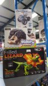 5 ITEMS – 3 X RED5 FRILLED LIZARD ROBOT KIT, 1 X CONSTRUCT CREATE ROBOTIC HEDGEHOG & 1 X SALT