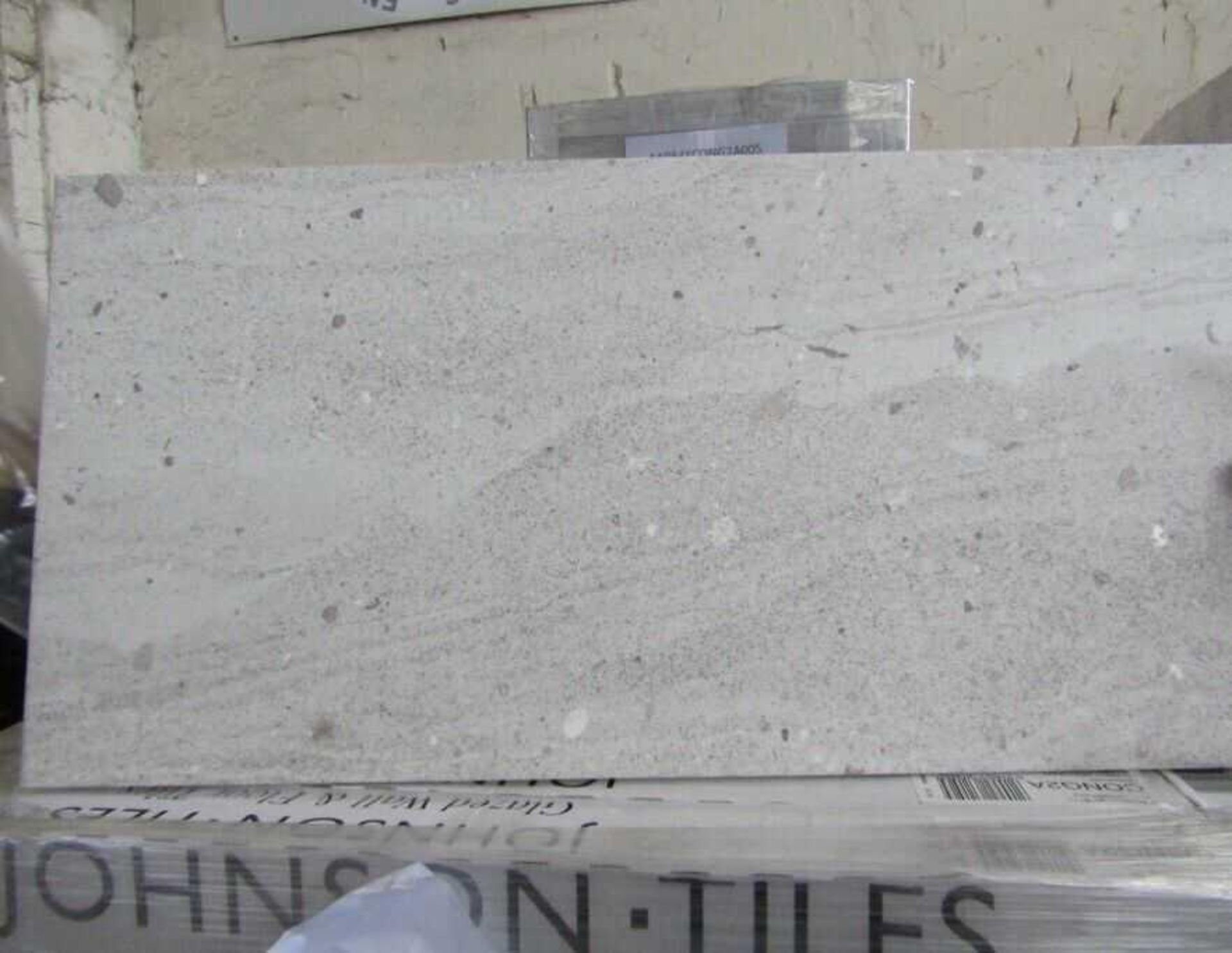 RRP £1400 Pallet To Contain 40 Brand New Packs Of 5 Johnson's Cong2A Classic Grey Matt Tiles ( - Image 2 of 3
