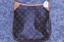 RRP £2300 Louis Vuitton Odeon Shoulder Bag In Brown Monogram Canvas. Condition Rating A (Aan0161)
