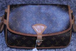 RRP £1,200 Louis Vuitton Solonge Shoulder Bag, Brown Monogram Coated Canvas, Vachetta Handles, (