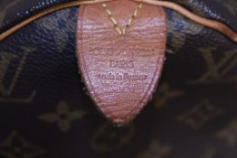 RRP £1,100.00 Made From Classic Monogram Canvas, The Speedy 35 Is A Stylish Handbag For Both