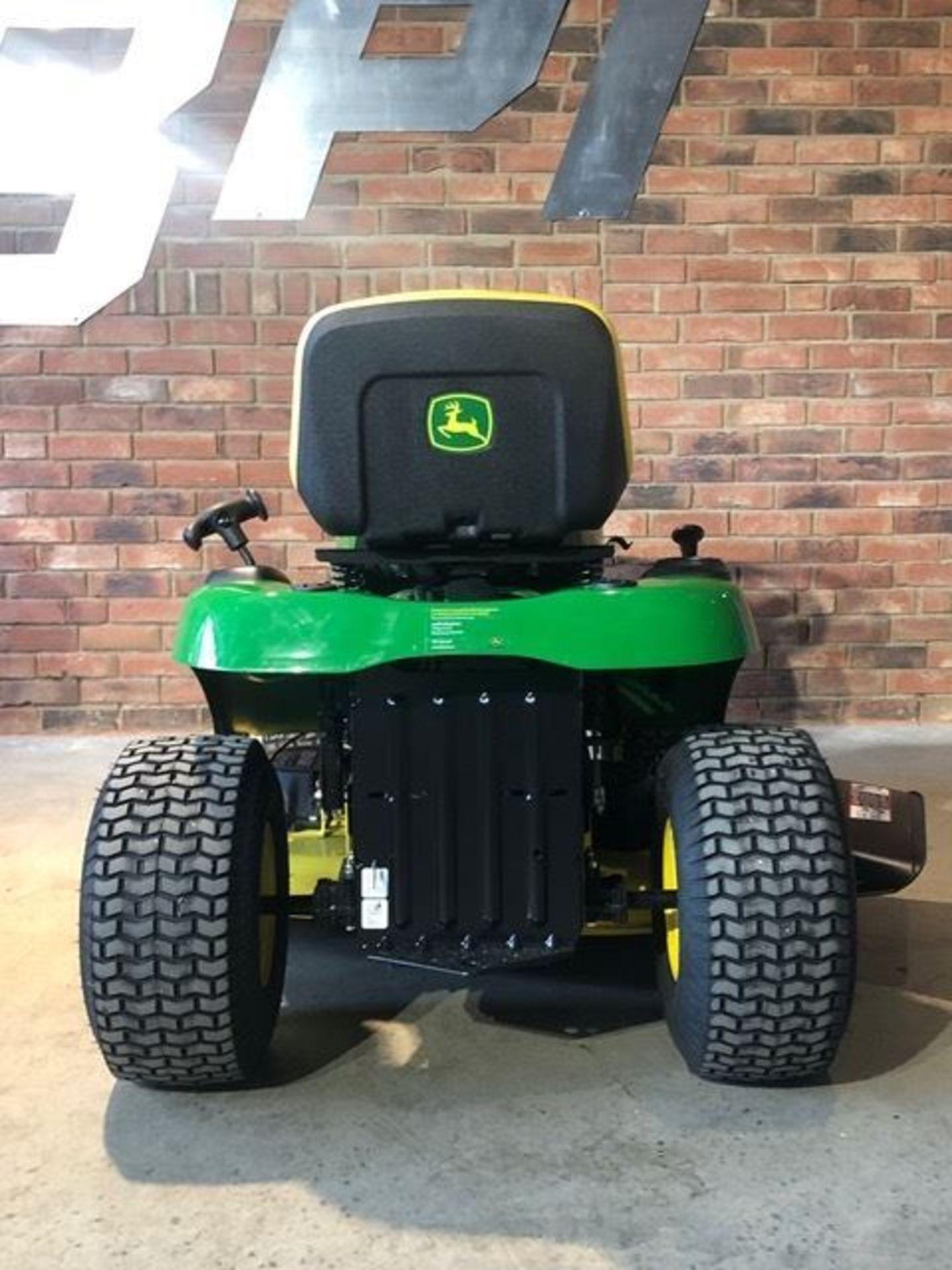 Lot 1 - John Deere 42in Ride On Tractor Mower