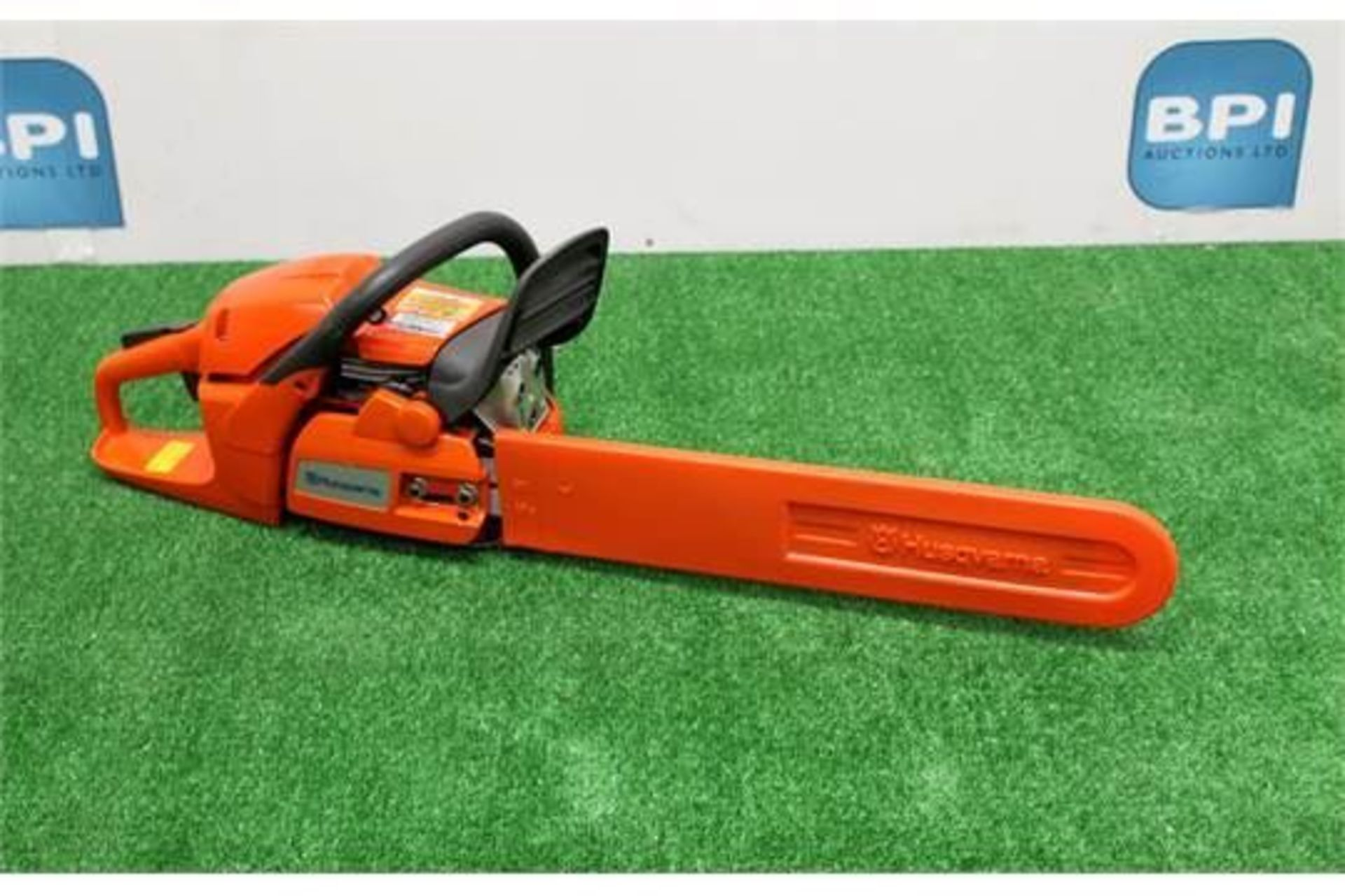 Lot 22 - Husqvarna 20inch Petrol Chainsaw. 50.2CC