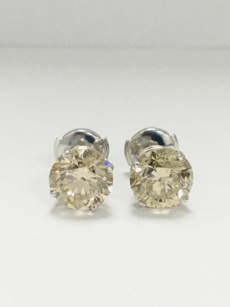 Diamond Jewellery - Excellent Selection of Diamond Rings, Earrings, Loose Stones & More   NO VAT ON HAMMER