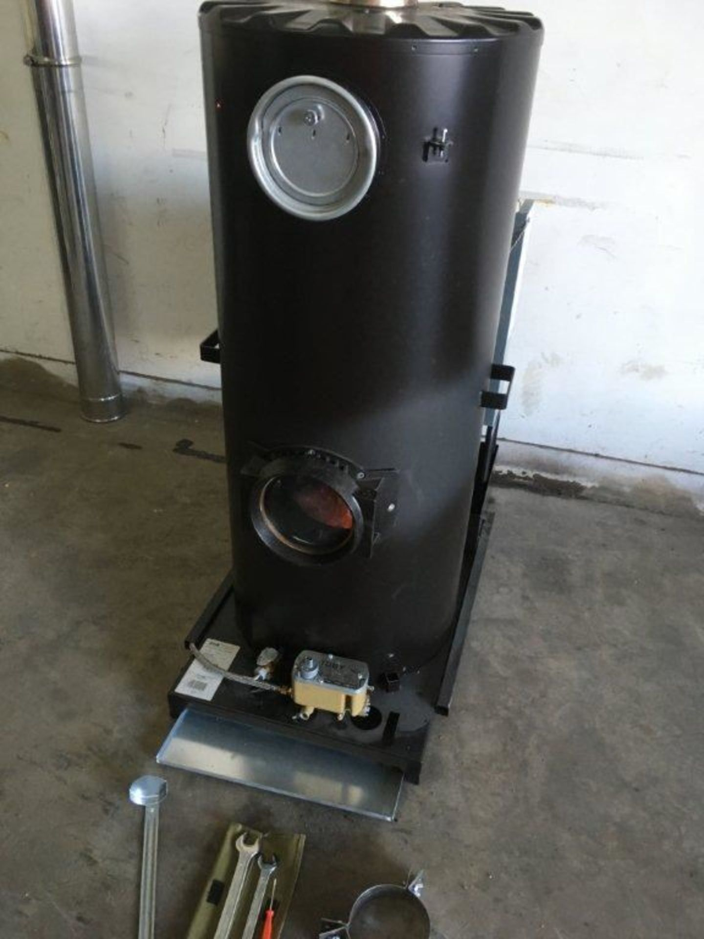 1 x Deville Multi Fuel Heaters with the Blue Flame Technology - Image 4 of 18