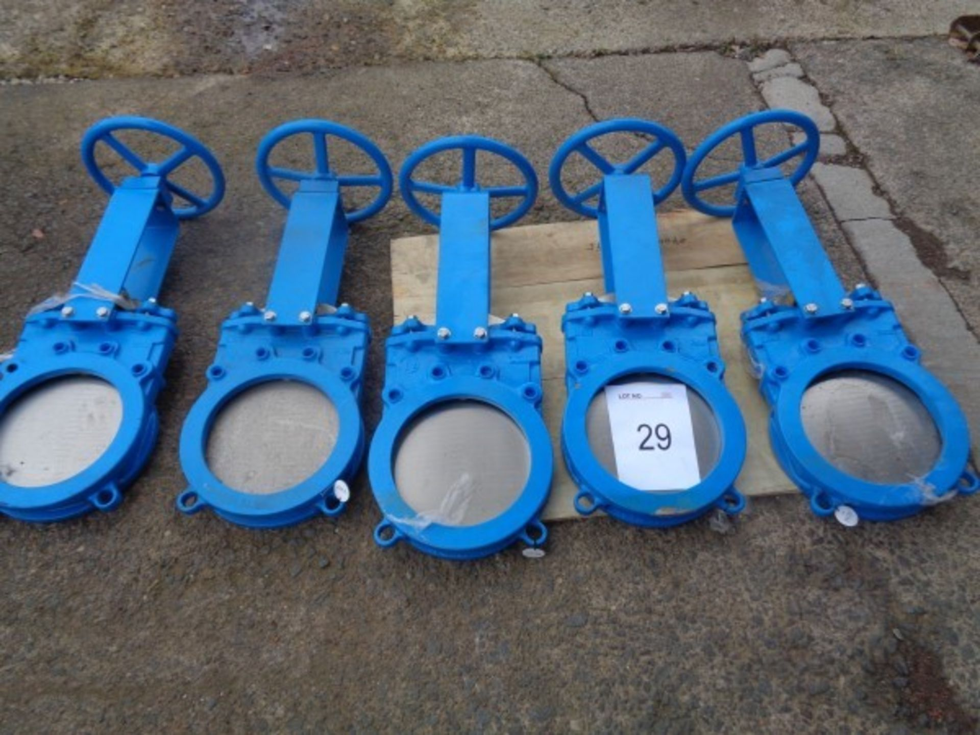 "5 x CK Model GGG40 OA2508 10"" in - line gate valves"
