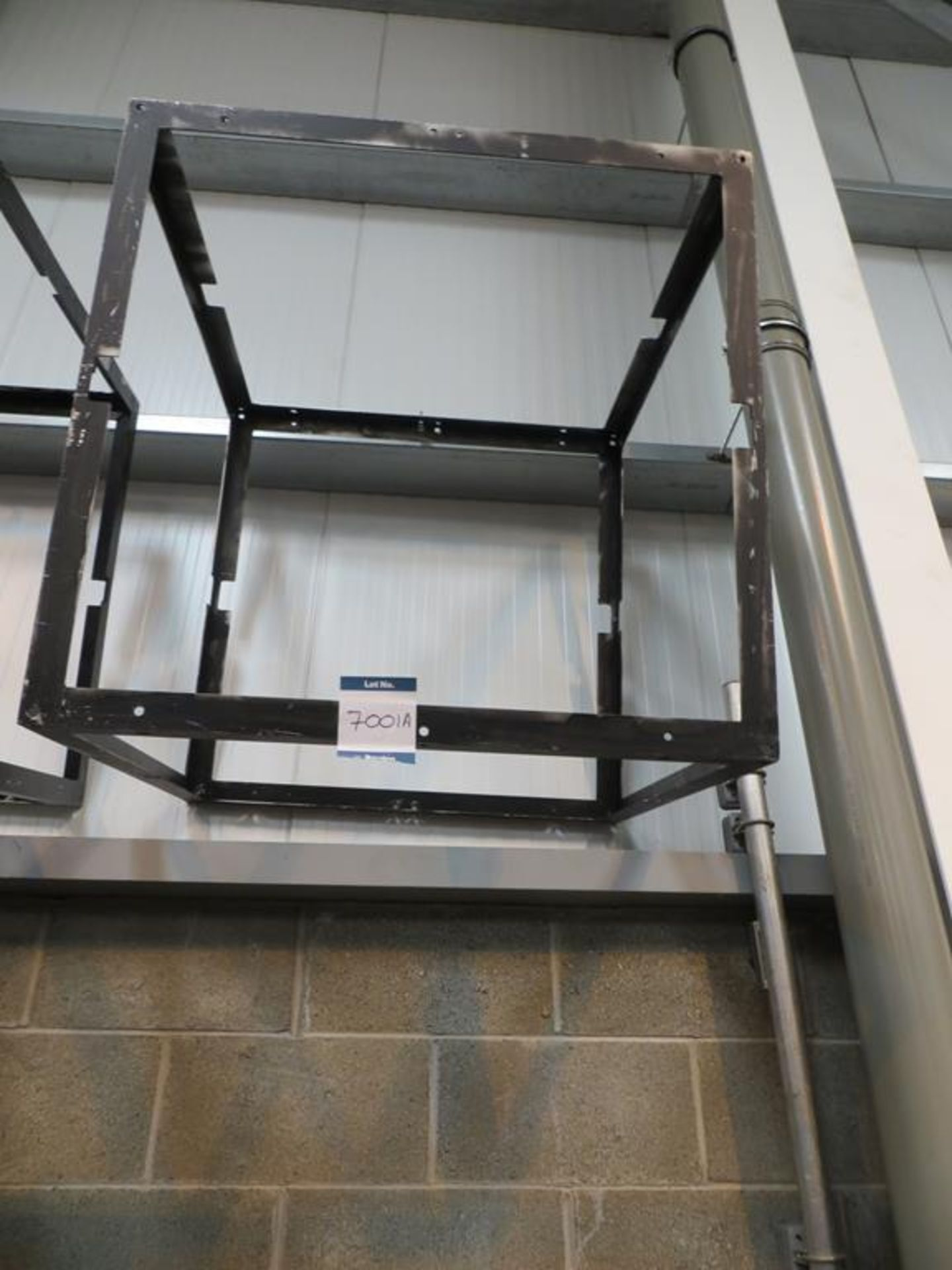 Lot 7001A - 6xNo 1m6x 1m angle steel frames for mounting Glux panels with mounting bolts in transit case: