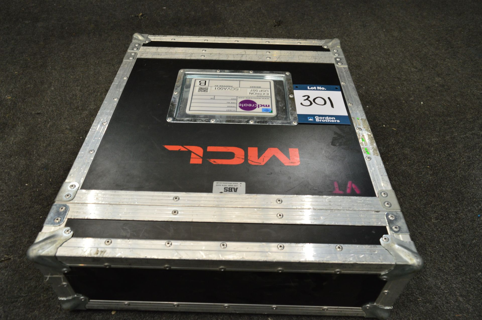Lot 301 - Extron, USP507 HD/SDI universal signal processor i