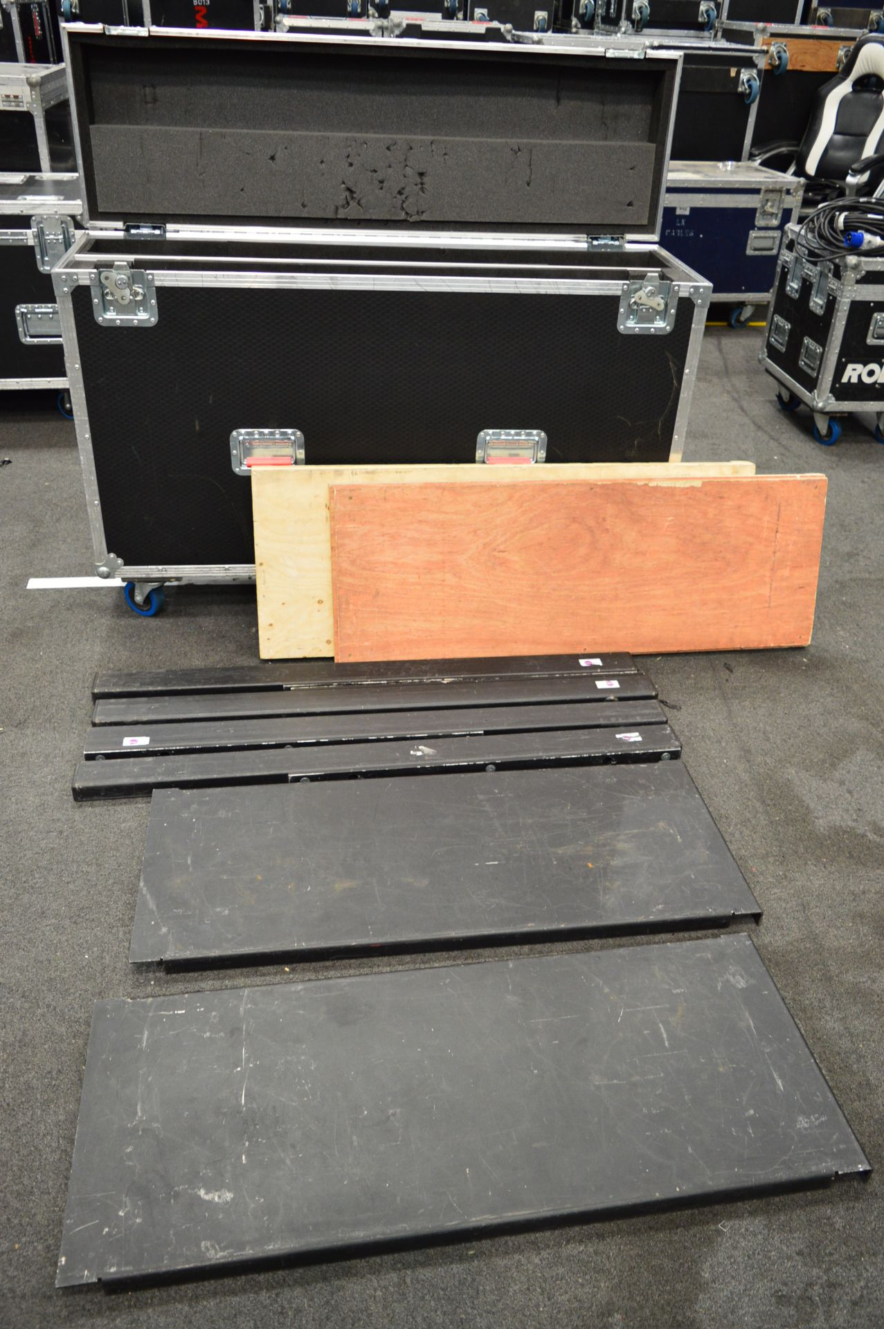 Lot 99 - Ground support frames and shelving for DigiLED pan