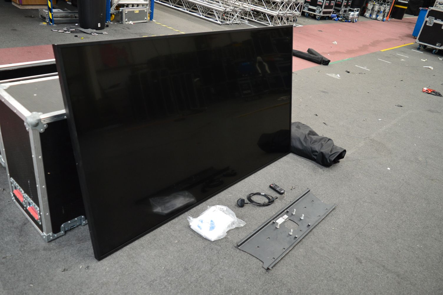 MCLCREATE: LARGE QUANTITY OF EX-HIRE AUDIO VISUAL ASSETS, GENERAL WAREHOUSE EQUIPMENT, OFFICE FURNITURE & I.T.