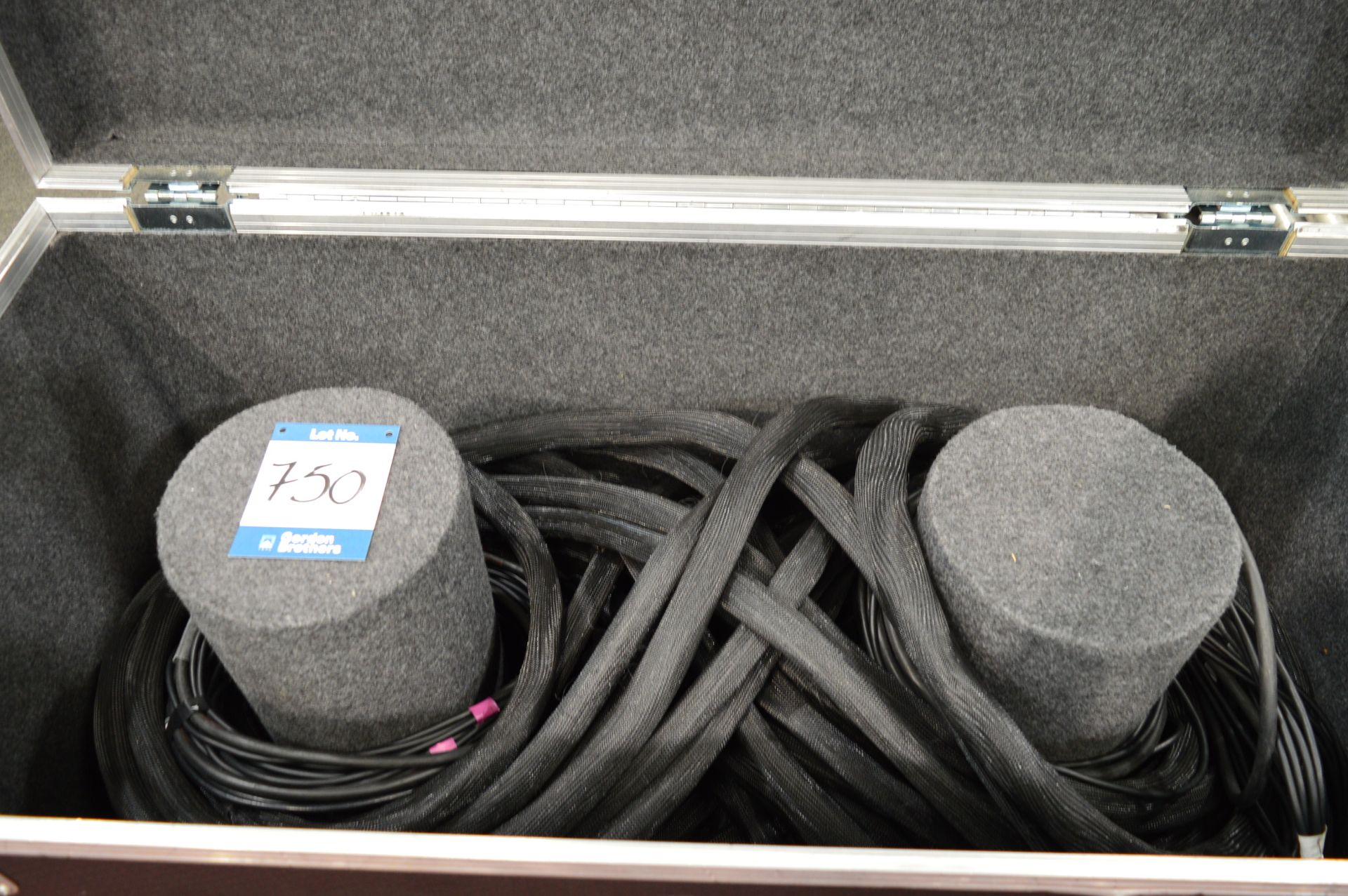 Lot 750 - CAT5, multi core cabling kit suitable for use with