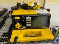 Hewlett Packard codemaster M1722B Defibrillator. S/No. U500104455 (1999)