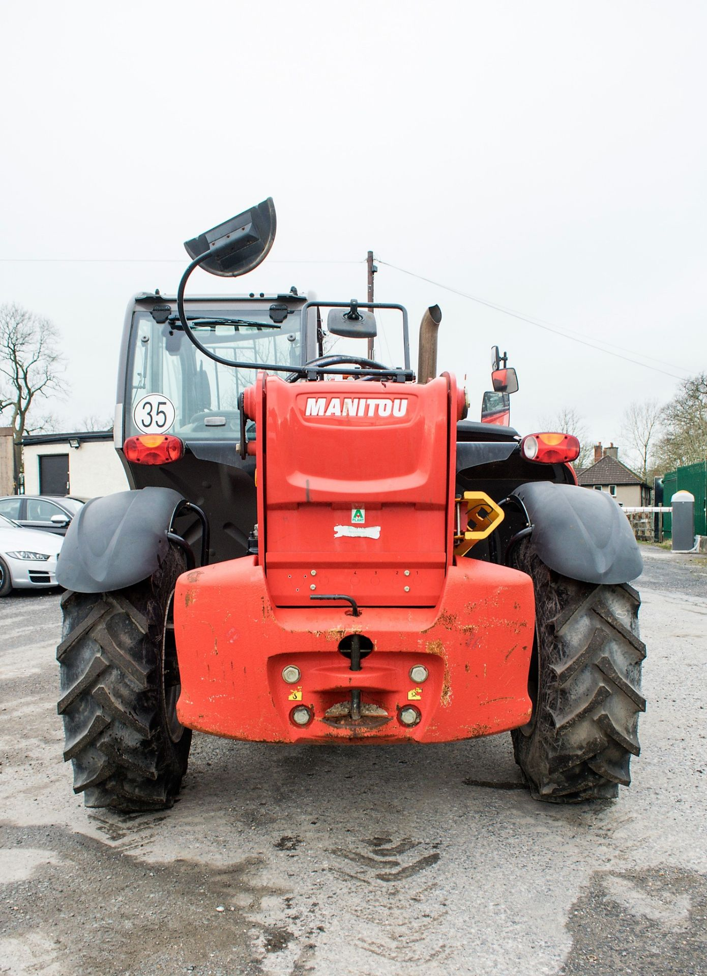 Lot 5 - Manitou MT1335 13 metre telescopic handler Year: 2014 S/N: 941567 Recorded Hours: 1907 c/w sway