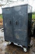 Amorgard mobile steel double door steel tool store c/w key 1410-4531