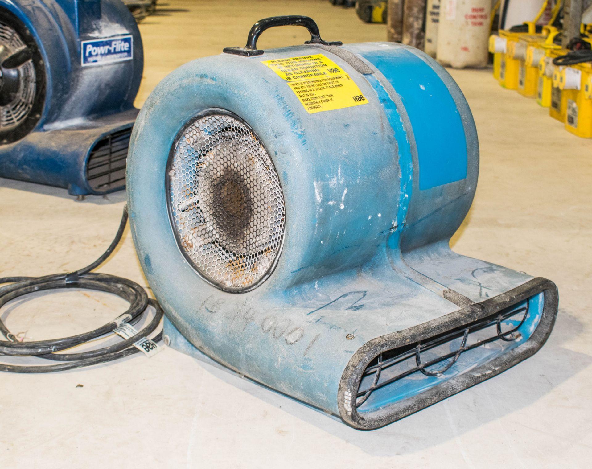 Lot 1013 - 110v carpet dryer