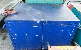 Mobile steel work bench c/w pipe vice