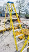 8 tread glass fibre framed step ladder A761071