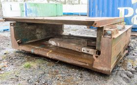 Man hole box (2.5m x 5m) c/w pins and clips,