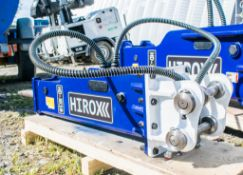 2.2- 4 tonne Hirox hydraulic breaker  ** New and Unused ** 30HL I004 Pin size: 35 Pin spacing: 300