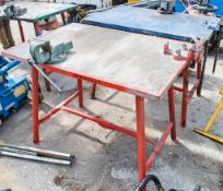 Collapsible steel work bench c/w pipe vice & engineers vice E0008029