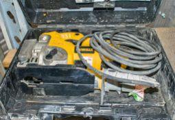 Dewalt 110v jigsaw c/w carry case A656484