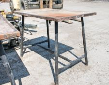 Collapsible steel work bench A684817