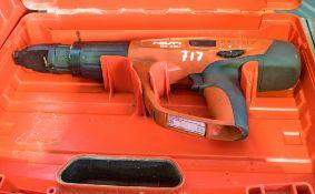 Hilti DX460 nail gun c/w carry case A827317
