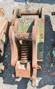 Manual quick hitch to suit 1.5 tonne machine HS063