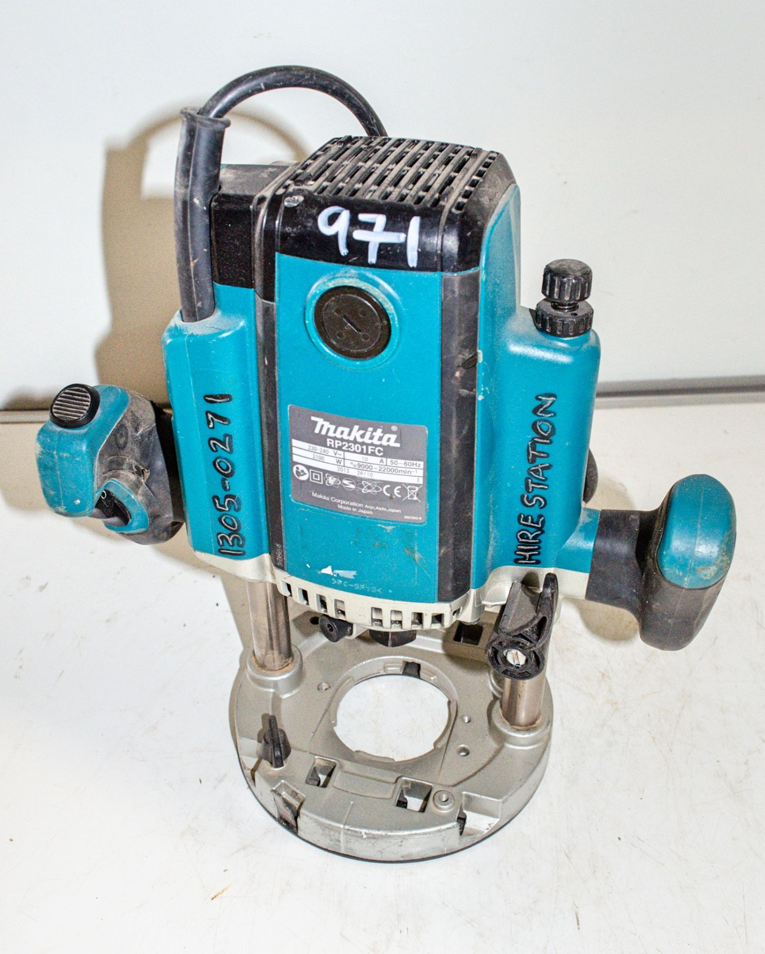 Lot 971 - Makita RP2301 110v router