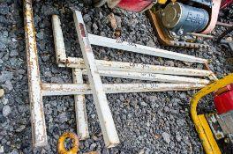 4 - Stel Rail steel T- poles