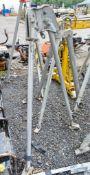 Safety tripod A592924