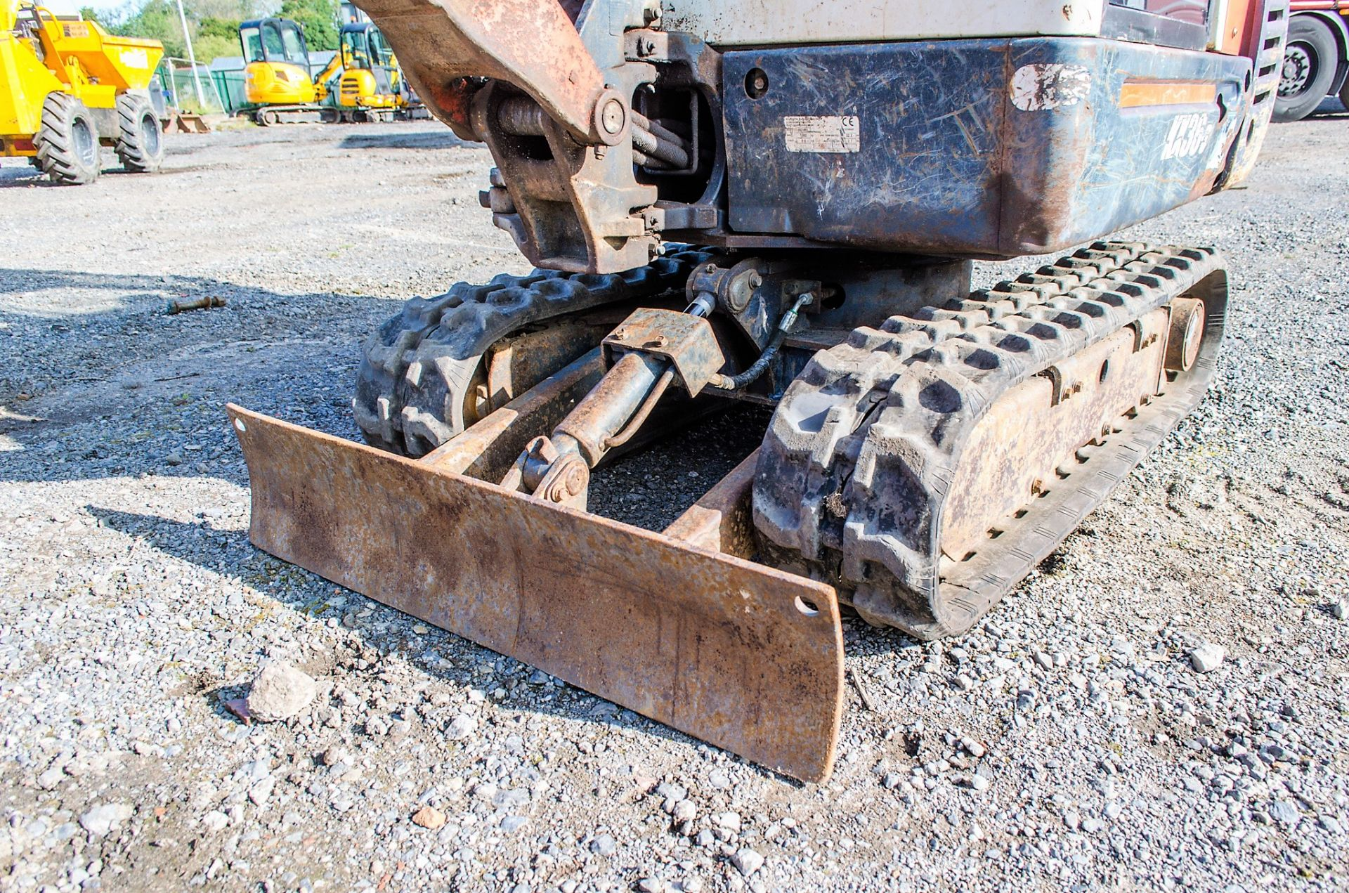 Kubota KX36-3 1.5 tonne rubber tracked mini excavator Year: 2007 S/N: Z077298 Recorded Hours: 4205 - Image 11 of 18