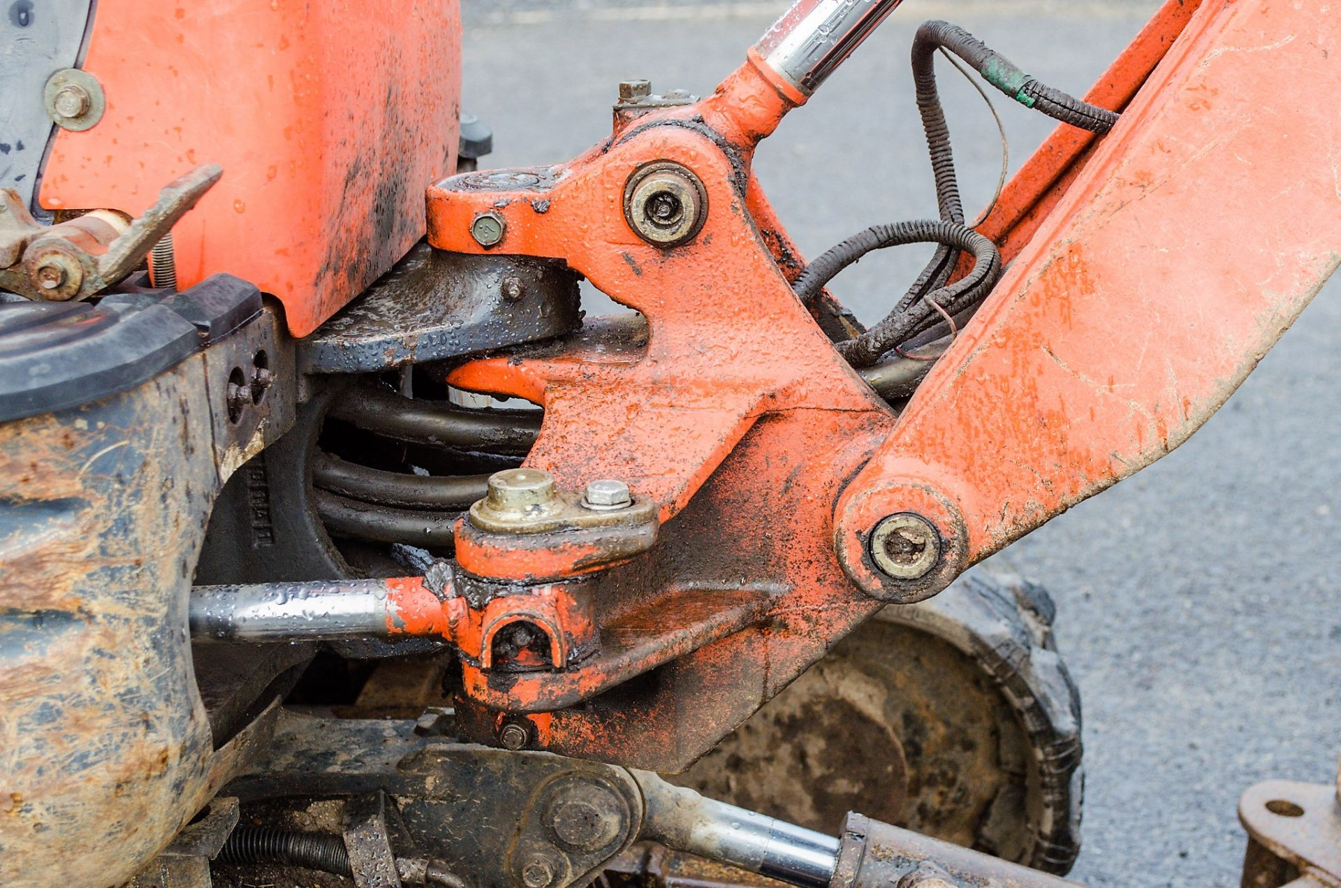 Lot 25 - Kubota KX008-3 0.8 tonne rubber tracked micro excavator Year: 2006 S/N: Recorded Hours: 4224