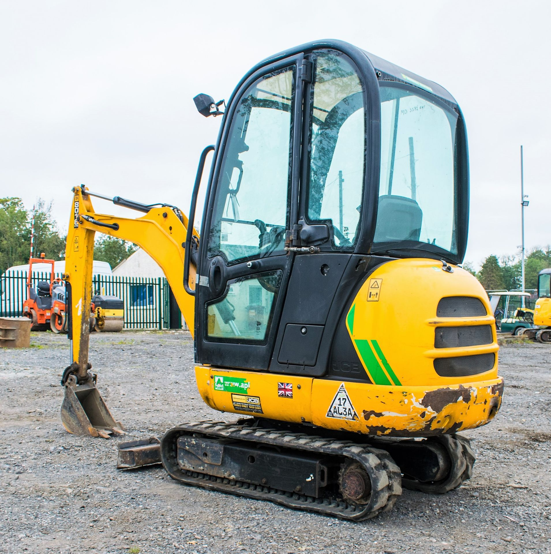 JCB 8016 1.6 tonne rubber tracked excavator  Year: 2015 S/N: 1733 Recorded Hours: 1861 A669405 - Image 4 of 20